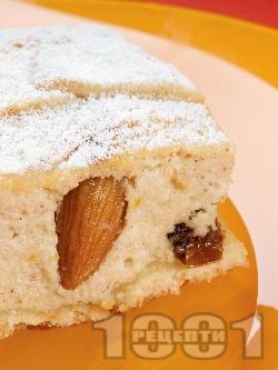 Изварена кростата (слакиш) с рикота, стафиди и бадеми - снимка на рецептата